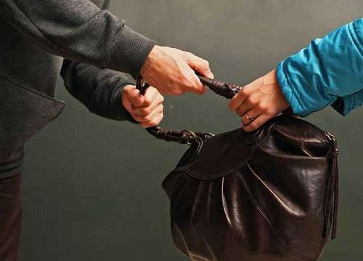 В Кумертау сотрудники полиции задержали подозреваемого в грабеже